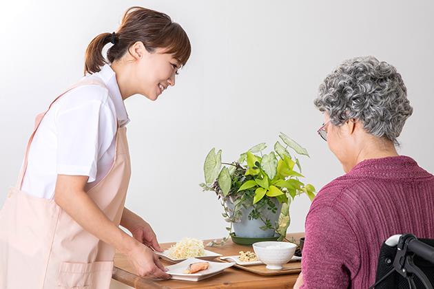 サニーライフの【正社員】クリーンヘルパー/配膳・清掃業務全般の求人